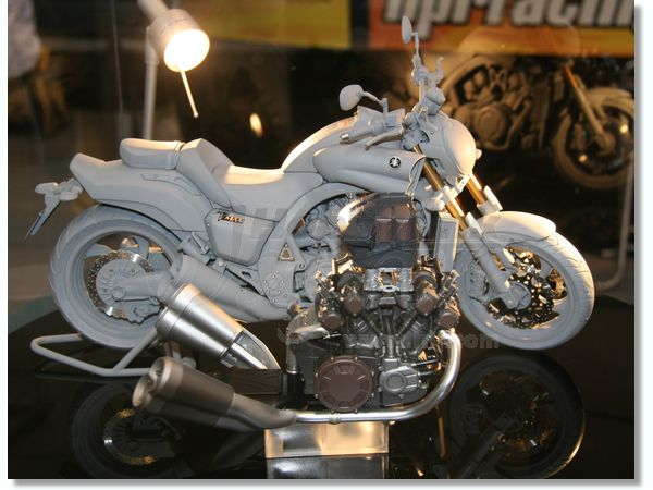 1/6 Yamaha V MAX .